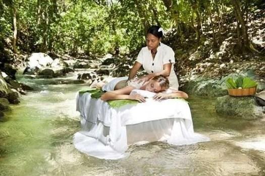 il servizio massaggi sul fiume di Casa Bonita