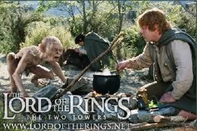 Il risultato finale: interazione tra Gollum, Sam e Frodo con buon realismo. Andy Serkis sul set MoCap durante la lavorazione del film, con tuta key-chrome e punti LED