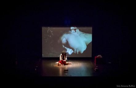 Ullallà Teatro, Kostantana e il lupo, foto di Simone Ruffini
