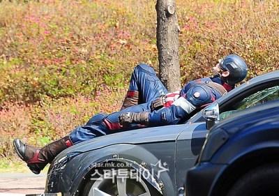 Primeras fotos de Chris Evans en el rodaje de 'Avengers: Age of Ultron'