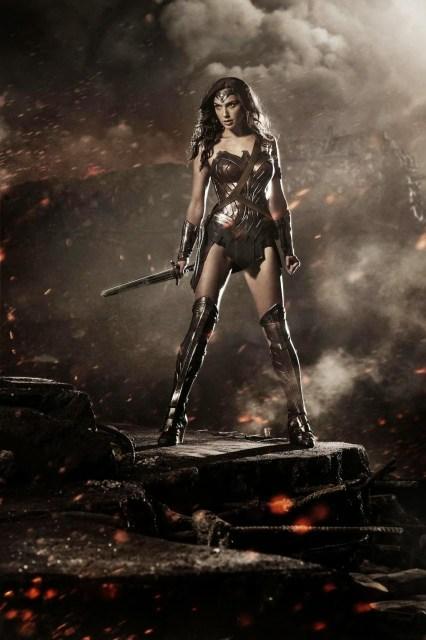 Primer póster oficial de Wonder woman en 'Batman v Superman: Dawn of justice'