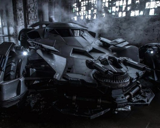 Zack Snyder revela nueva foto del Batmóvil de 'Batman v Superman: Dawn of Justice'