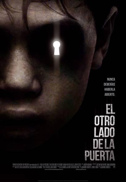 Póster y tráiler español de 'El otro lado de la puerta'