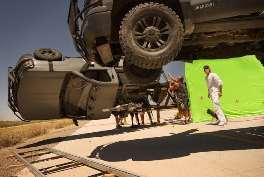 Nuevas fotos de 'Transformers: The Last Knight' en las que vemos a Isabella Moner y nuevos Autobots