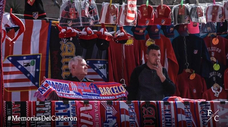 Memorias del Calderón. Puesto de bufandas de Juan
