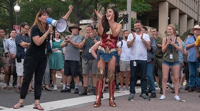 'Wonder Woman 1984': Gal Gadot anuncia el final del rodaje