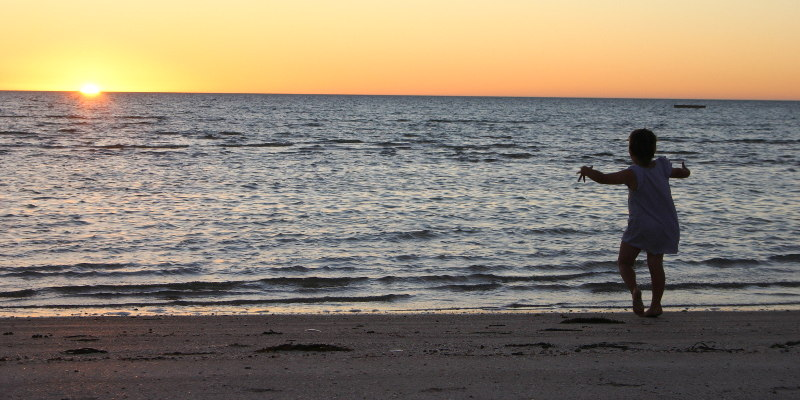 Sunset on Perlubie Beach, Eyre Peninsula. Photo: John Englart