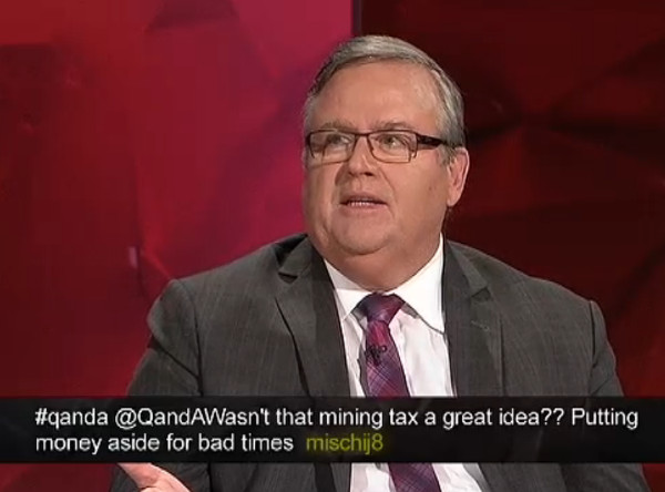 20160418-QandA-ewen-Jones-under-spotlight2-600w