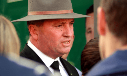 Indie @AdamBlakester challenges @Barnaby_Joyce to face voters: @jansant reports on #Watergate
