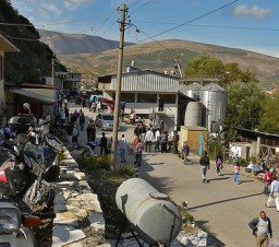 Berat gypsy markets
