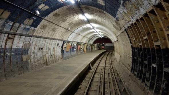 Aldwych 1917 Platform