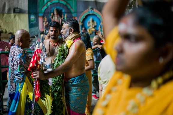 blessing, devotees Thaipusam, 2015, Malaysia, Leica, Summilux, Jamie Chan, No Foreign Lands, Travel