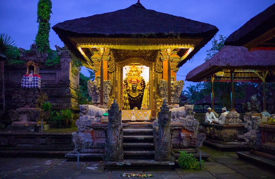 Barong, Ubud, Bali, Jamie Chan, Leica, Travel, photography, Temple, Dance, Tradition, No Foreign Lands, Indonesia, festival