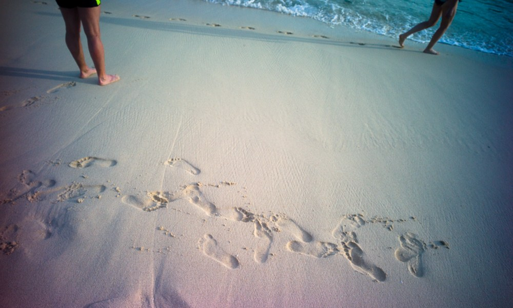 Lomography, New Russar+ Lens, Sandy Beach, Nusa Lembongan, Sea, Leica M-E, sand, footprints