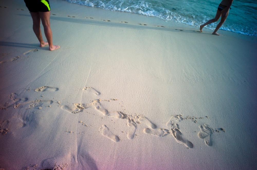 Lomography New Russar+ Lens, Sandy Beach, Nusa Lembongan, Sea, Leica M-E, sand, footprints
