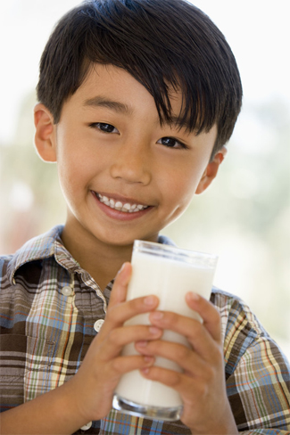 boy_with_milk