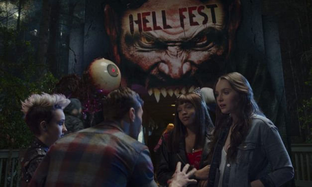 [REVIEW] Amusement Park Slasher HELL FEST is Heavy in Style But Light on Scares