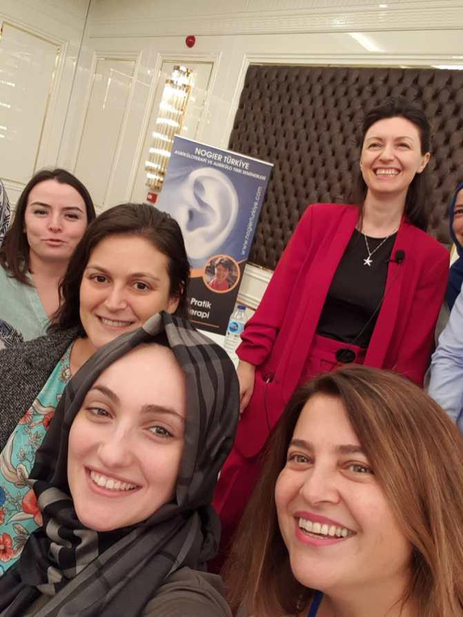 4-6 Ekim 2019 Ankara 1. Modül Klinik vr Pratik Aurilüloterapi Semieneri Selfi 2