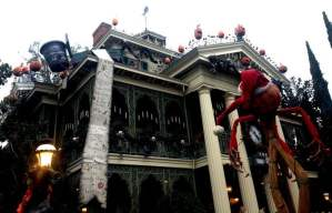 Your Guide to Halloween Time At The Disney Parks