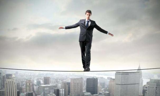 Finanzasy-RRHH-Control-de-Costes-Macroeconomia-y-Crisis-Economica