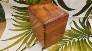 Koa urn with splines small