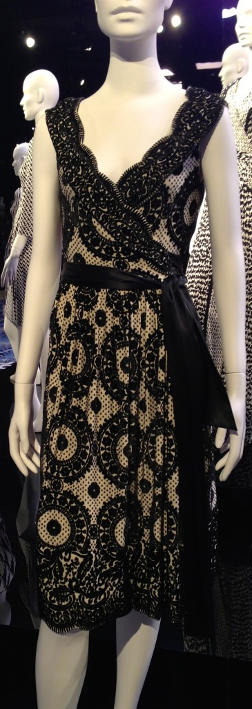 DVF wrapdress lace