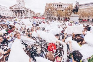 1396716479-international-pillow-fight-day-2014-celebrations-in-london_4390872