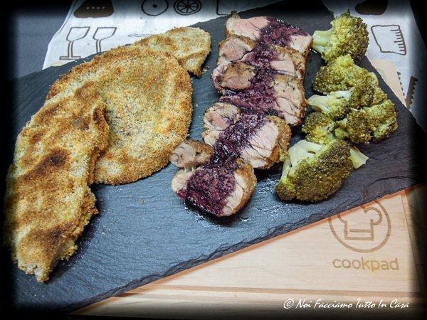 Filetto di maiale saporito con mazze di tamburo e broccoli-21