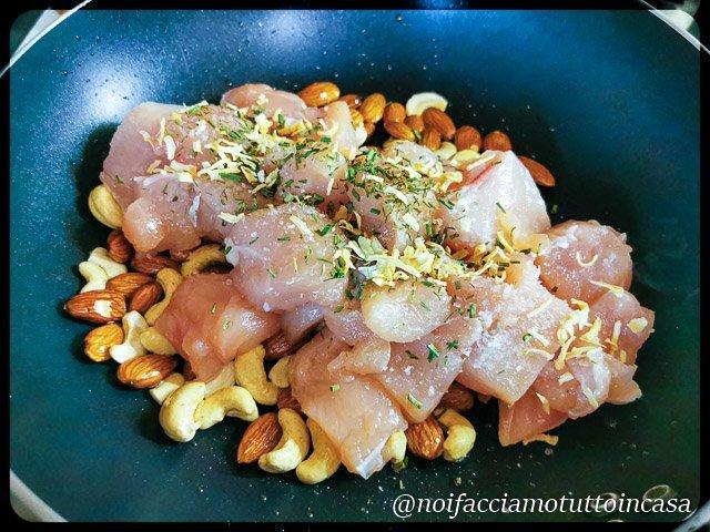 Pollo con mandorle e anacardi