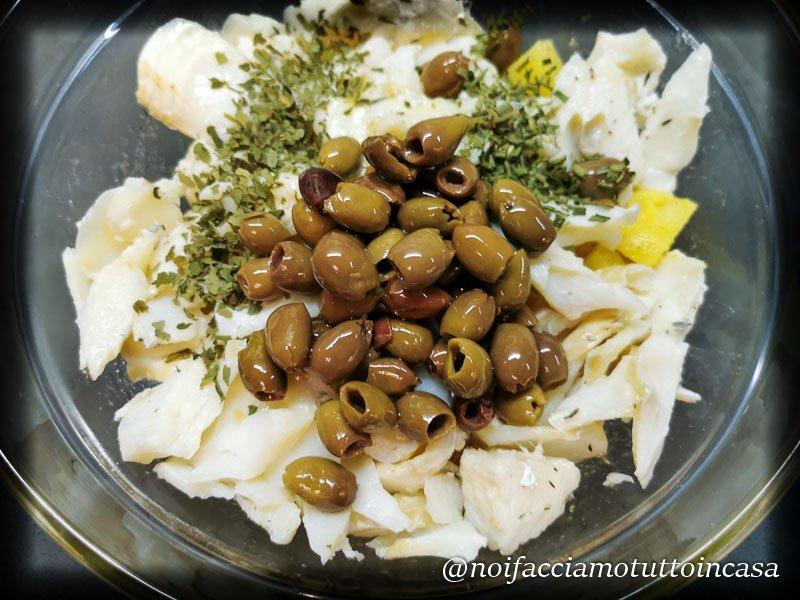 Baccalà con patate e olive taggiasche