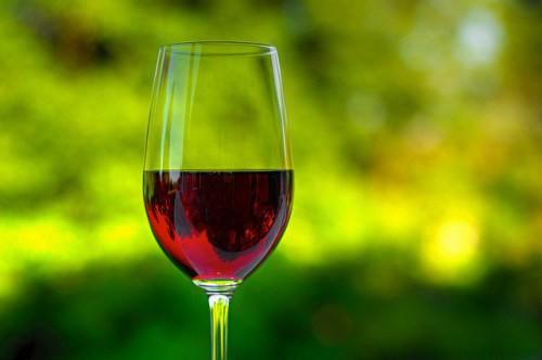 Red-wine-Matthew-Rogers-e1421952248591