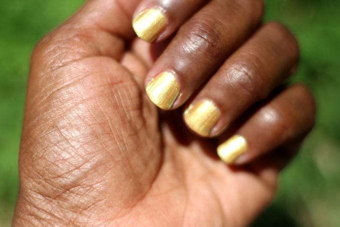 journey_and_co_gold_goals_nail_polish