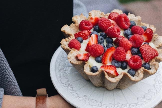 Tarte aux fruits, croûte aux noix