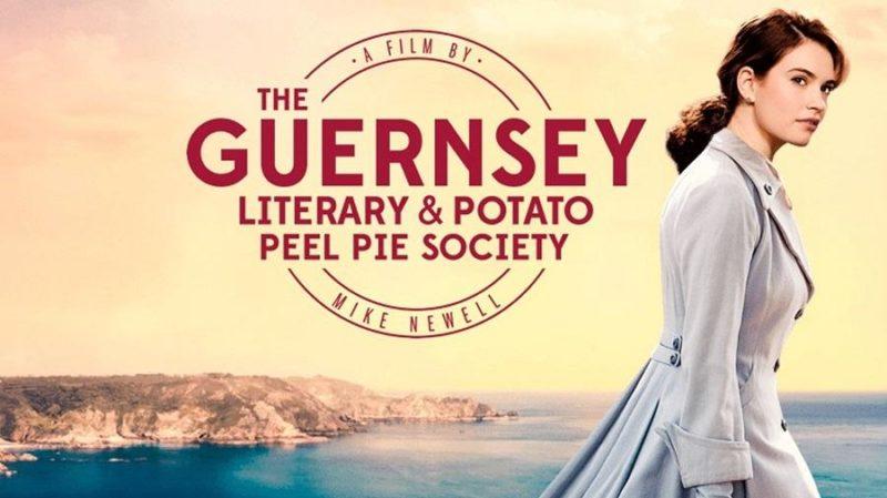 La sociedad literaria y el pastel de piel de patata, recorriendo la isla Guernsey durante la posguerra de la mano de Lily James