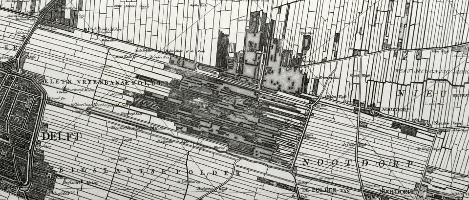 Kaart van Kruikius uit 1712 met de ontwateringsstructuur. De Bieslandse Polder met de molens zijn ook goed te zien.