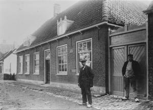 Dorpsstraat 12
