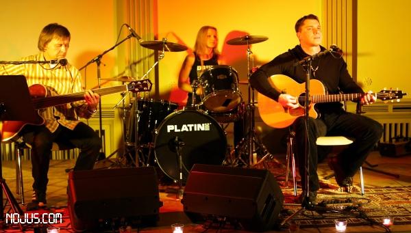 12122008nojusband_germany_stage