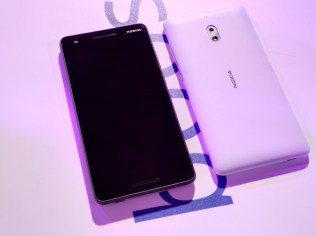 Nokia 2.1 front and back NOKIAMOB