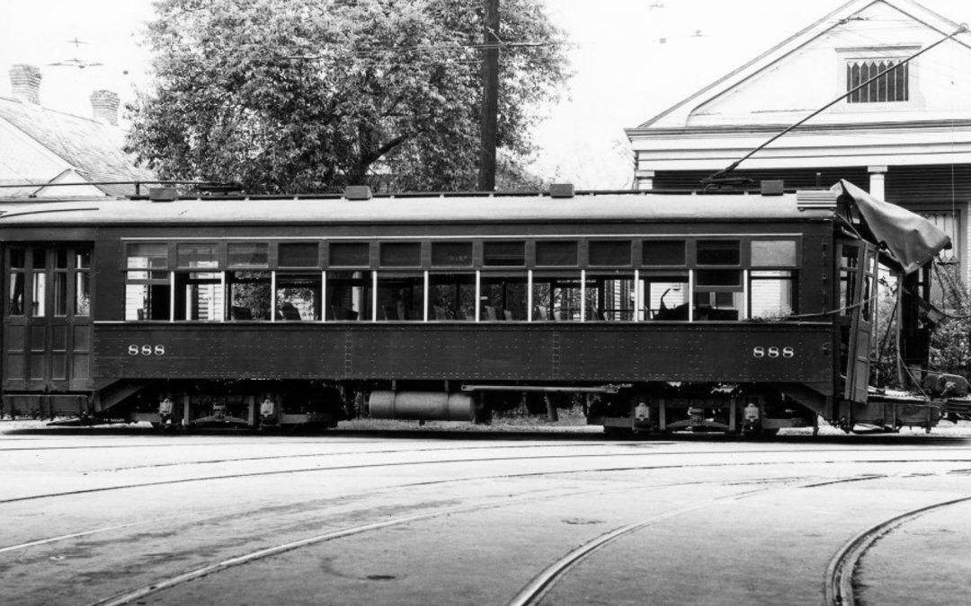 Streetcar accidents – NOPSI 888 back at Carrollton Station