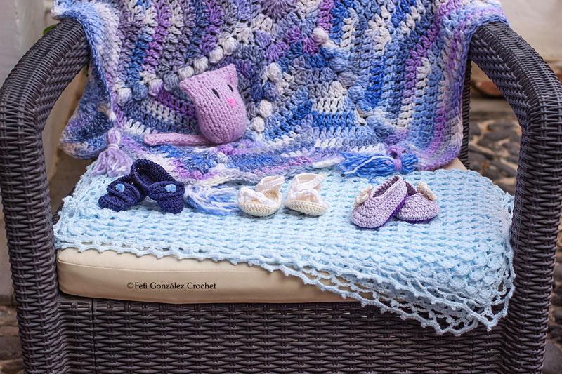 Patucos y colchas creados por Fefi González Crochet
