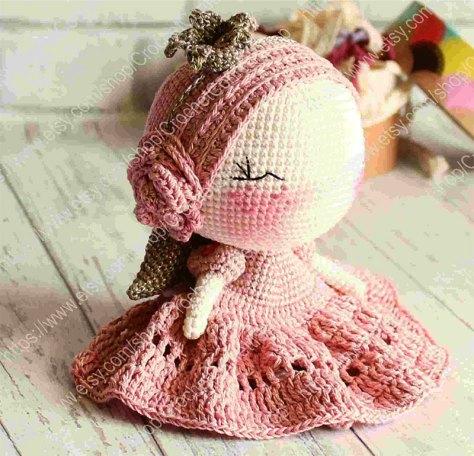 Đừng bỏ lỡ chart móc công chúa Irina Moilova mặc váy hồng có đôi cánh thiên thần