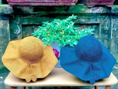 Học cách móc mũ ''Mẫu hậu đi biển'' của tác giả Phan Minh Thu