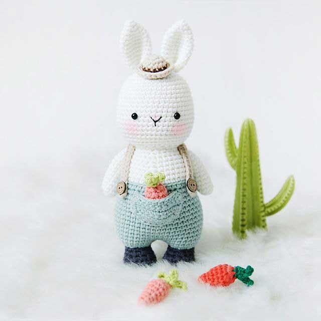 Học cách móc thỏ yếm đựng cà rốt đáng yêu (người dịch Ngọc Lê)