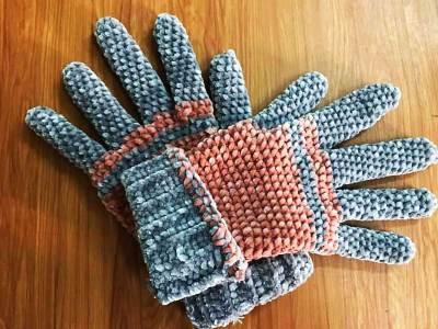 Học cách móc gang tay bằng len nhung siêu dễ thương của tác giả Thiên Thanh Trần