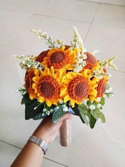 Học cách móc hoa hướng dương của tác giả Kanni Craft