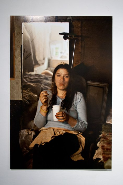 Irina fumando - Misha Vallejo