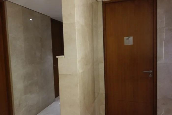 ジャカルタ空港 シャワー
