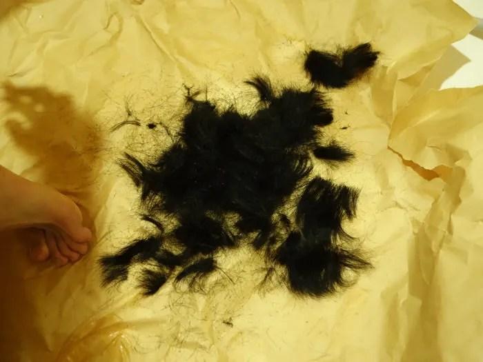 バリカンで刈った髪の毛