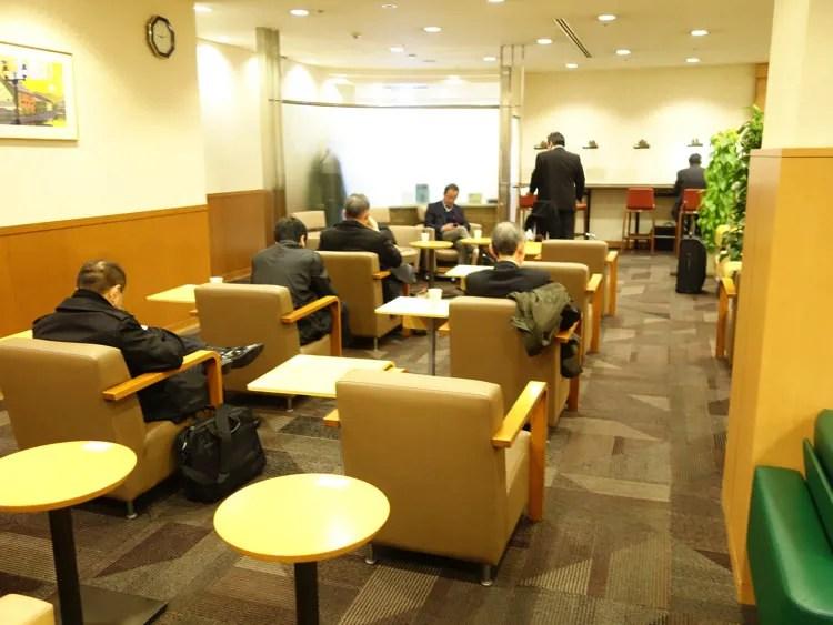 福岡の空港ラウンジ