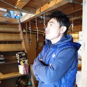 素潜り漁師でワカメを採る大山町の中村隆行さんにまちづくりとお金の考え方について聞きました